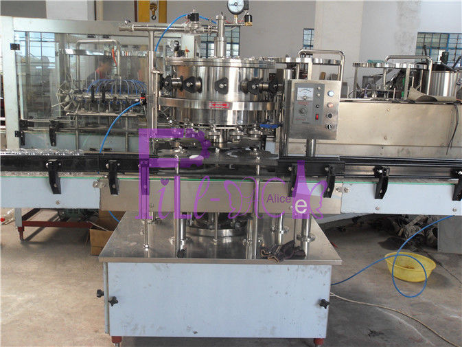 Balanced Pressure Soft Drink Filling Machine 2000BPH For Carbonated Drinks